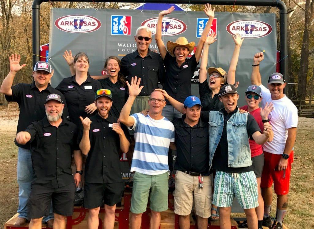 league-team-podium-1024x749